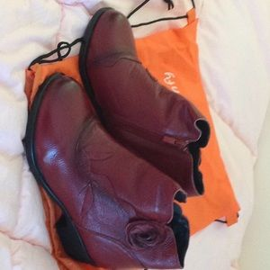 Shoes - Socofy leather short boots new